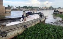 Bắt 90 tấn hàng lậu từ Campuchia về Việt Nam