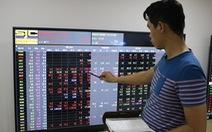 VN Index mất mốc 900 điểm khi thị trường thế giới lao dốc