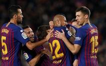 Messi kiến tạo tinh tế, Barca leo lên ngôi đầu