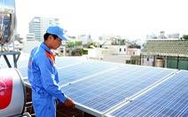 Nhiều hộ dân lắp điện mặt trời, mái nhà thành máy phát điện
