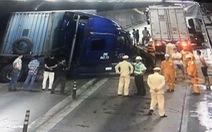 Hai xe đầu kéo tông nhau nghiêm trọng trong hầm Hải Vân