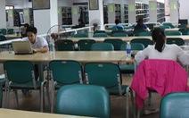 Thư viện vắng hơn chùa Bà Đanh nhưng vẫn say sưa kể thành tích