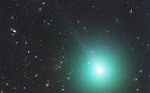 Sao chổi cực sáng bay trên Trái đất 11,6 triệu km vài ngày tới
