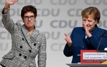 """Đảng cầm quyền Đức bầu """"tiểu Merkel"""" làm lãnh đạo đảng"""