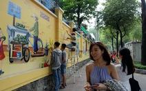 'Thêm tết' cho những bức tranh đường phố