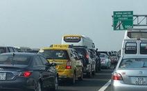 Lượng ôtô đi đường cao tốc sẽ tăng đột biến từ 27 Tết