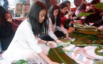Cựu học sinh Hà Nội gói 2018 bánh chưng tặng người nghèo