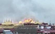 Cháy chùa thiêng Tây Tạng ngàn năm tuổi trong ngày tết