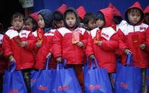 'Tết sẻ chia' của Tuổi Trẻ đến vùng lũ Yên Bái