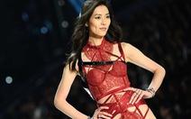 Siêu mẫu Trung Quốc bị ném đá tơi tả vì chúc mừng Tết âm lịch!