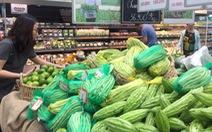 Sau Tết, các bà nội trợ thon thót với giá rau củ quả