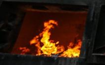 Tạm giữ người vợ nghi tưới xăng đốt chồng