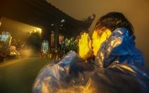 Hôm nay khai hội Yên Tử, người dân nườm nượp lễ bái từ tối khuya