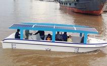 Tàu chở khách chạy bằng điện và năng lượng mặt trời