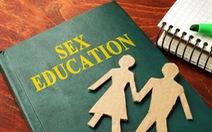 Cha mẹ bỏ 80 triệu đồng thuê người dạy con về tình dục