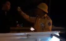 Lãnh đạo cảnh sát giao thông xin lỗi 'người vi phạm'