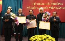 Nộp đơn 20 năm mới được kết nạp hội nhà văn Việt Nam
