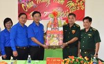 Anh Lê Quốc Phong chúc tết 3 xã khó khăn ở An Giang