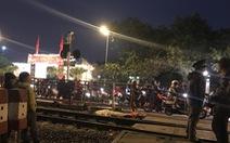 Đi bộ qua đường sắt bị tàu hỏa tông tử vong