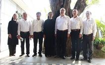 Bí thư Thành ủy Nguyễn Thiện Nhân chúc tết Dòng Mến Thánh giá Thủ Thiêm