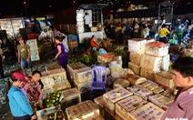 Chợ đầu mối 'chạy đua' cho cơn sốt hàng Tết