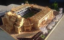 'Mù' bóng đá vẫn làm mô hình sân vận động tuyệt đẹp