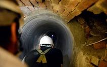 Kỹ sư Nhật sửa ống cống bằng công nghệ lót ống