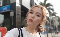 Đằng sau những bức ảnh selfie cực chất của Fung La