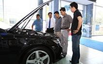Doanh số xe hơi sụt giảm vì xe nhập khẩu bị 'siết'