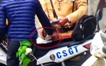 Tạm đình chỉ cán bộ, CSGT liên quan 'clip mãi lộ'