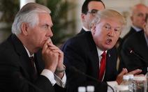 Sa thải Tillerson, ông Trump mất điểm trong cuộc chiến chống tin giả