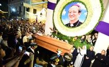 Linh cữu Tổng giám mục Bùi Văn Đọc đã về đến TP.HCM
