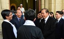 Phó thủ tướng Trương Hòa Bình viếng Đức Tổng giám mục Bùi Văn Đọc