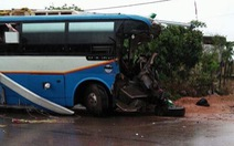 Xe khách va chạm xe tải, 3 người tử vong