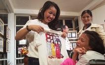 Điều ước thứ 7 tặng mơ ước cho cô gái vẽ tranh bằng chân ở Huế
