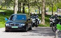 Luật của Pháp: Xe ưu tiên không được gây nguy hiểm cho xe khác