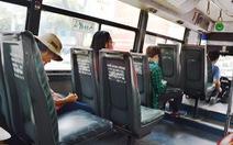 Xe buýt cũ rơi bánh giữa đường, hỏi sao hành khách không dám đi?