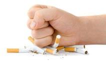 Hút thuốc gia tăng nguy cơ điếc