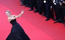 Cannes mạnh tay cấm sao và khách mời selfie trên thảm đỏ