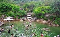Vui lễ 30-4 & 1-5 sôi động tại Công viên suối khoáng nóng Núi Thần Tài