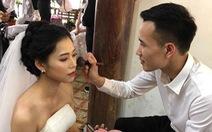 Chú rể 'có tâm nhất năm', tự trang điểm cho vợ khi chụp ảnh cưới