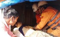 Cứu kịp thời ngư dân gặp tai nạn nguy kịch trên biển