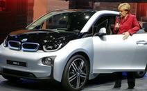 Châu Âu đòi trả đũa, ông Trump dọa nâng thuế tiếp với xe hơi