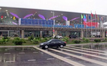Một người tâm thần đột nhập sân bay Vinh