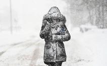 Thế giới trong tuần qua ảnh: tuyết rơi trắng trời châu Âu