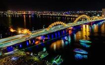 Cầu Rồng Đà Nẵng phun lửa chào đón thủy thủ Mỹ