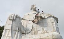 Xử phạt 30 triệu đồng và tháo dỡ tượng Bà Chúa Xứ trên Núi Sam