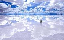 Salar de Uyuni - 'Chiếc gương bầu trời' ở Bolivia