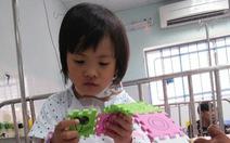 'Xin chào cuộc sống' cùng đoàn bác sĩ Mỹ mổ tim giúp bé Nhật Vy