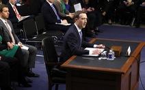 Mark Zuckerberg kê nệm ngồi để khỏa lấp chiều cao khiêm tốn?